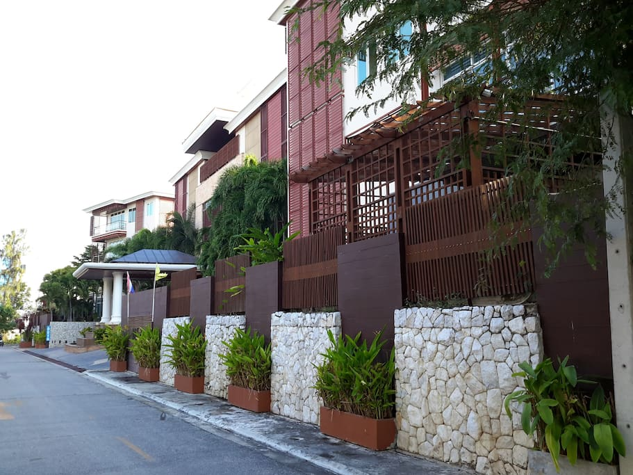 The Seaside Condominium, Hua Hin Soi 9th.   Main gate