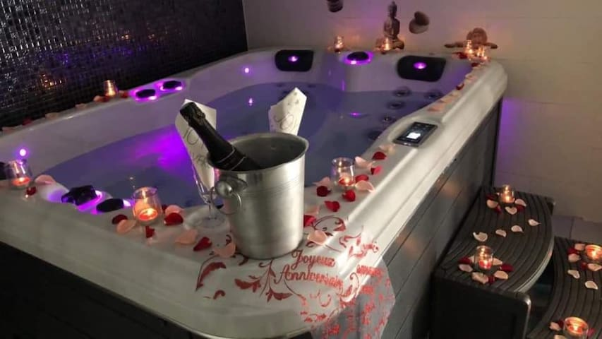 Gite 4 pers sauna spa jacuzzi privé
