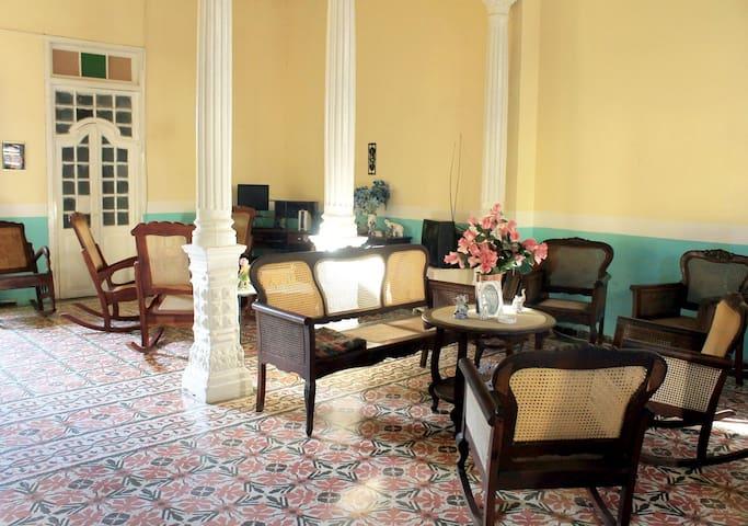Casa Colonial Hostal Aguinaga!!!! Hab#1