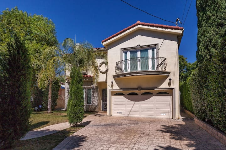 5 Star Luxury Resort Gated Home. - Los Angeles - House