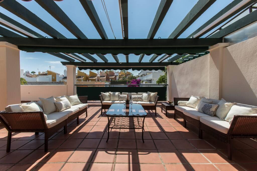 Lounge/terrace area