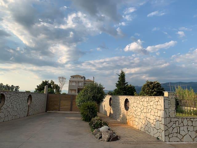 Villa Akti