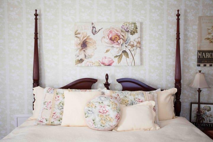 The Grandview Inn Bed & Breakfast Room Demi Suite