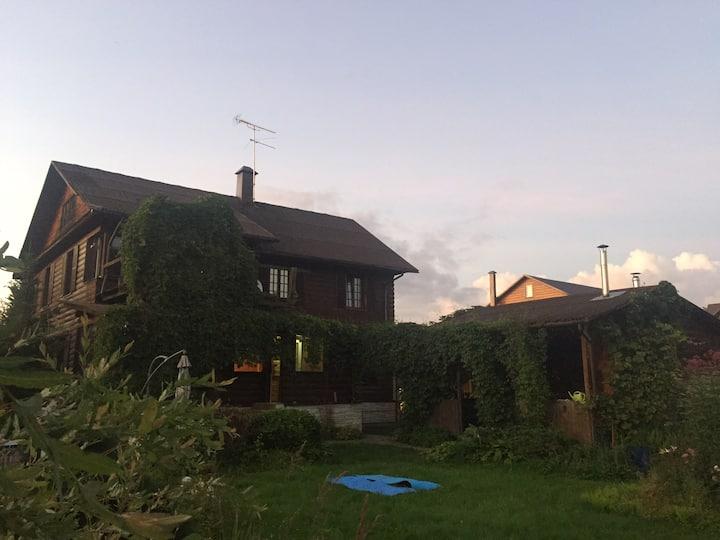 Дом + дом - баня + беседка + большой сад + мангал