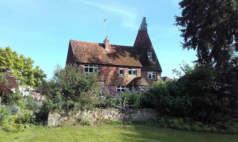 Relaxing retreat in the Kentish Countryside