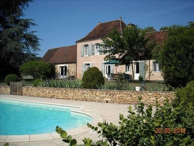 ensemble de 2 maisons avec piscine en Périgord - Limeuil