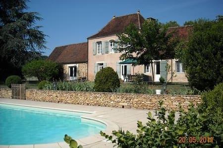 ensemble de 2 maisons avec piscine en Périgord - Limeuil - Talo