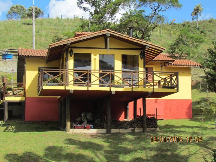 Casa Super Charmosa no alto Serra Mantiqueira