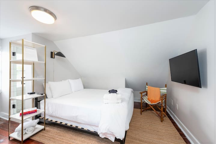 ★ The Inns at 60 Cannon - Elegant 1 BR / 1 BA ★