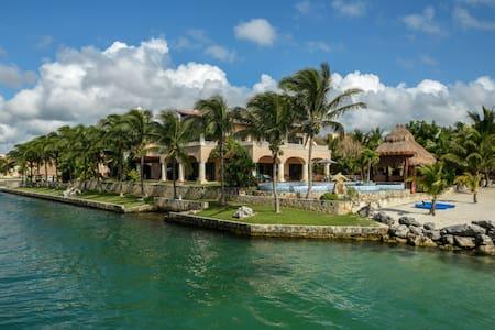 Luxury Village in Riviera Maya - Puerto Aventuras