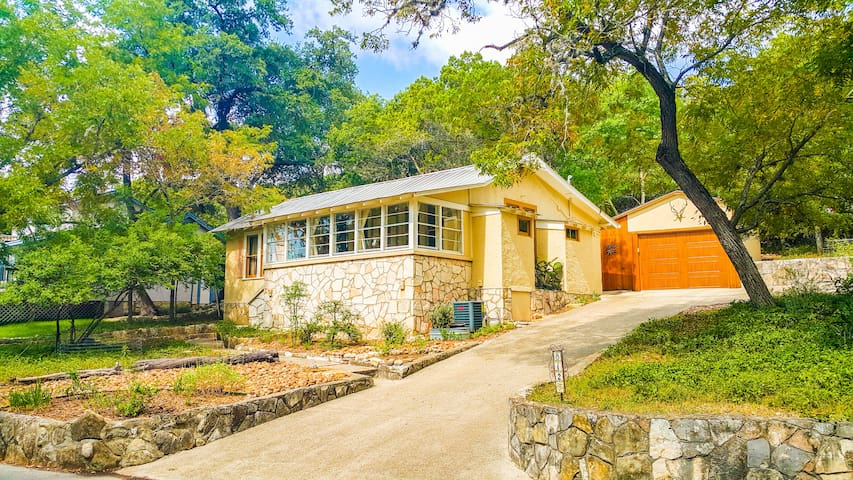 Tanglewood Cottage - Sweet Hill Country Get-Away!!