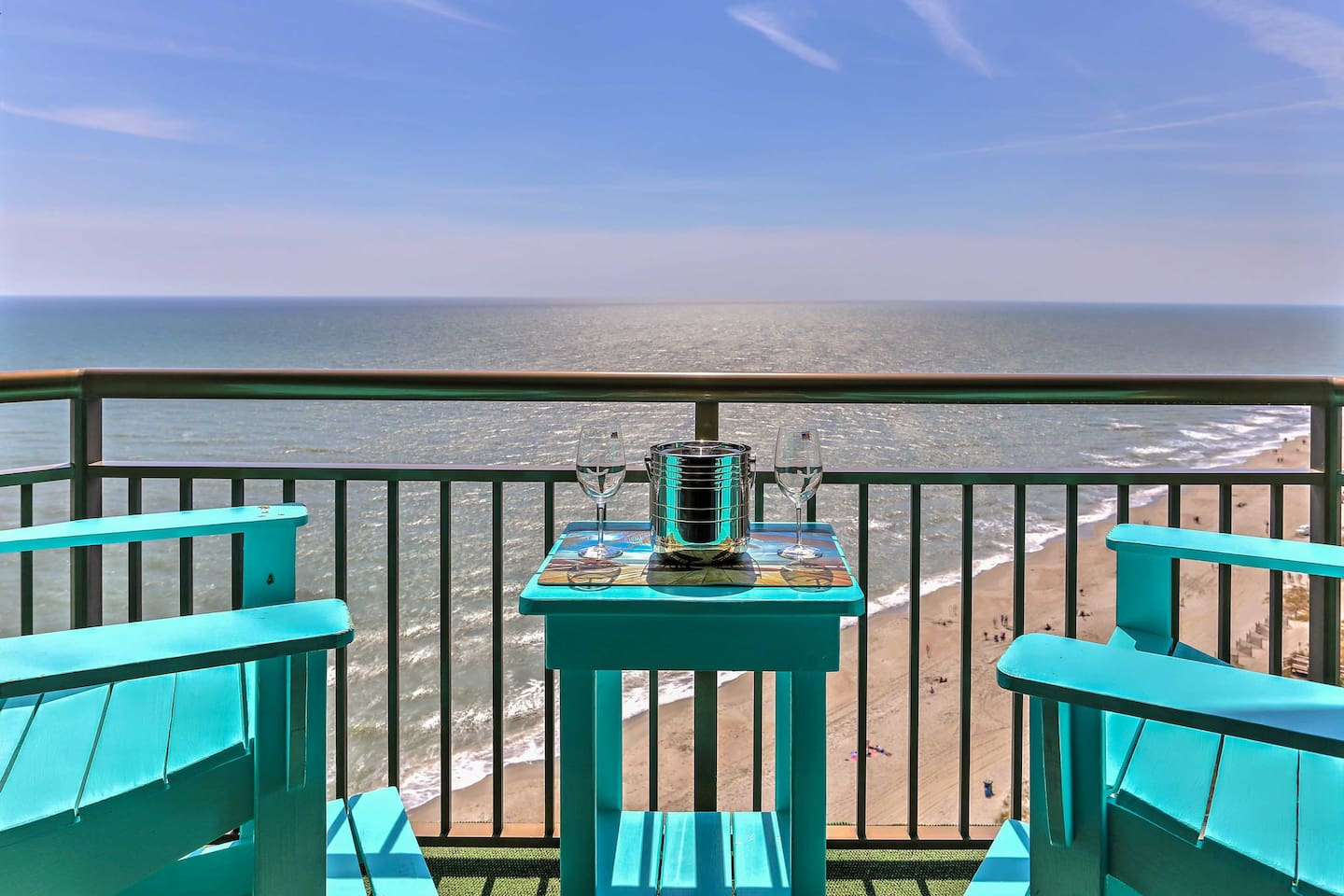 Book the beachfront getaway of your dreams at this Myrtle Beach studio condo.
