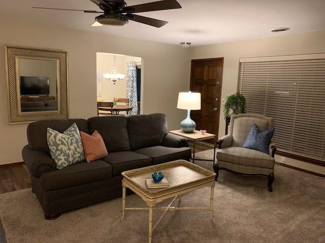VC5 Lux 2 Bed Condo Mod/Eclectic Vibe Central OKC