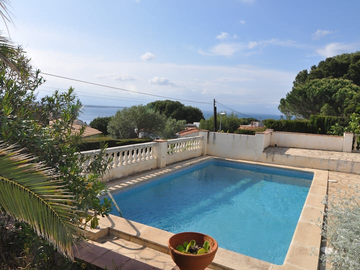 GREAT HOUSE WITH PRIVATE POOL AND SPECTACULAR SEA VIEWS