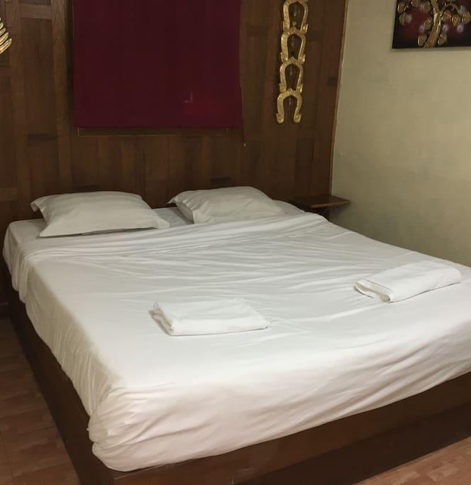 Bedroom rm 9