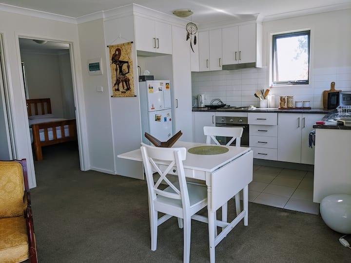 Cosy 1 bedroom apartment in Watson