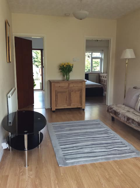 Delightful one bed apartment 5 mile