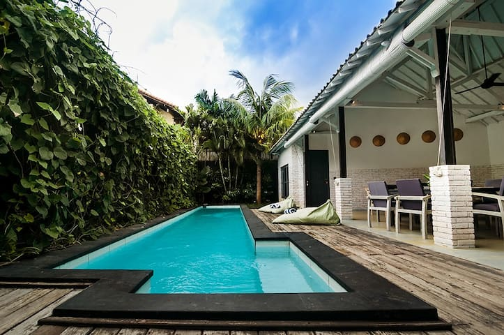Villa Kazz 2 - pool walking distance to beach surf