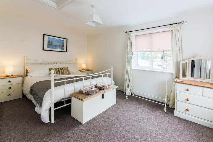 1st double bedroom .  ground floor level