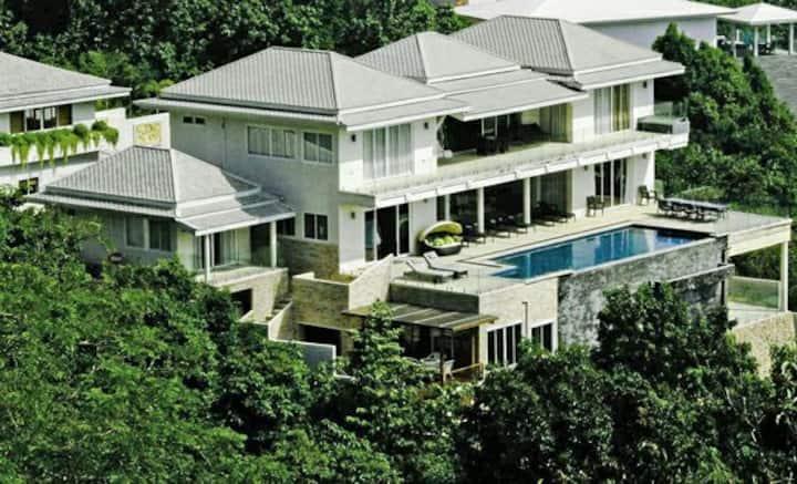Luxury 6 BR Seaview Villa, Samui