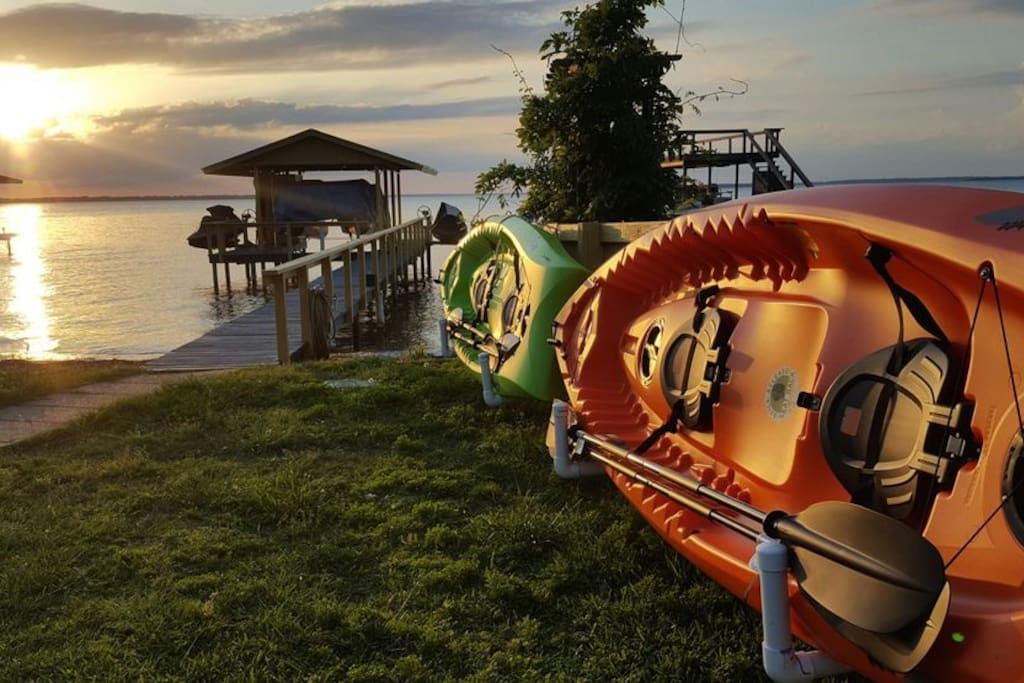 3 kayaks for renters to use for free!!