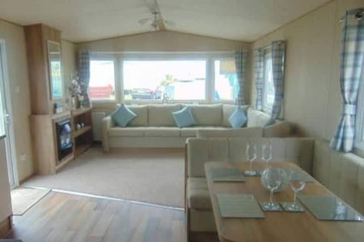DELUXE CARAVAN @GOLDEN SAND HOLIDAY PK NORTH WALES