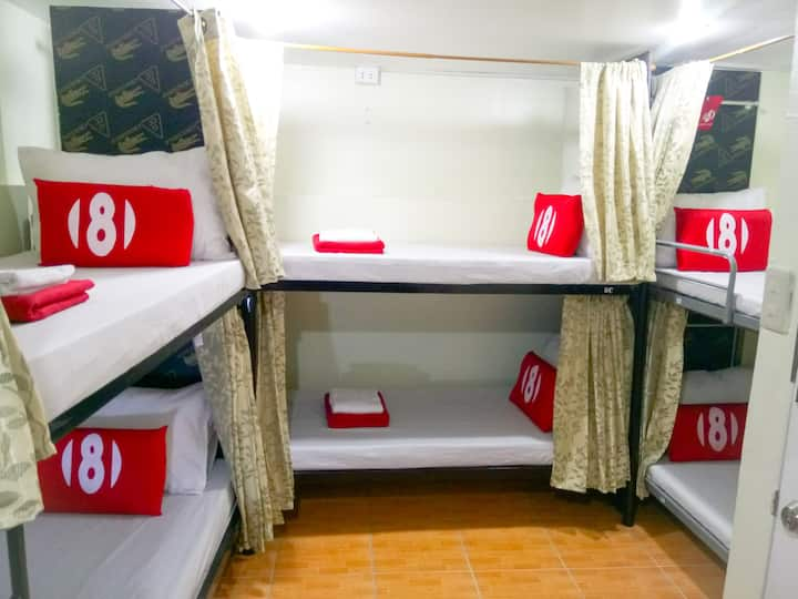 Male Single Bed in 16 - Bed Mixed Dorm