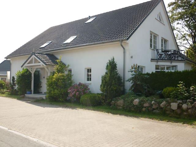 Gemütliche und helle Dachgeschosswohnung