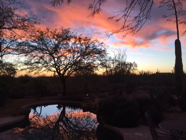 North Scottsdale views comfy pvt bed + 1 1/2 bath