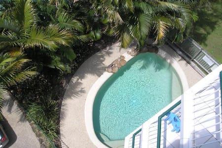 KINGS BCH 2 bed 2 bath 2 balconies 2 min to beach - Kings Beach