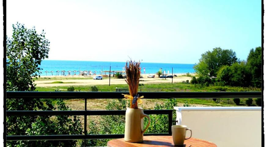 Seaside Apartment (Akti Retzika) - Epanomi - Bed & Breakfast