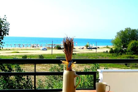 Seaside Apartment (Akti Retzika) - Epanomi - Inap sarapan
