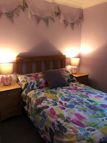 Cosy double bedroom with private bathroom