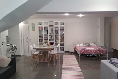 Eden Garden Suite,7km from Airport,2km from knosos