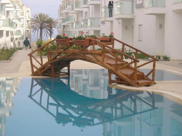 "Appartement ""pieds dans l'eau"" Chott Mariem - Hammam Sousse - Wohnung"