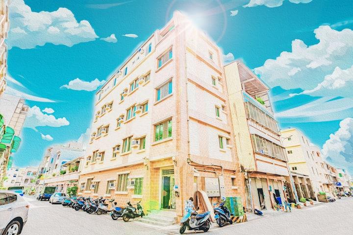 卡娜赫拉舒適主題套房-台南青年旅舍TAINAN HOSTAL
