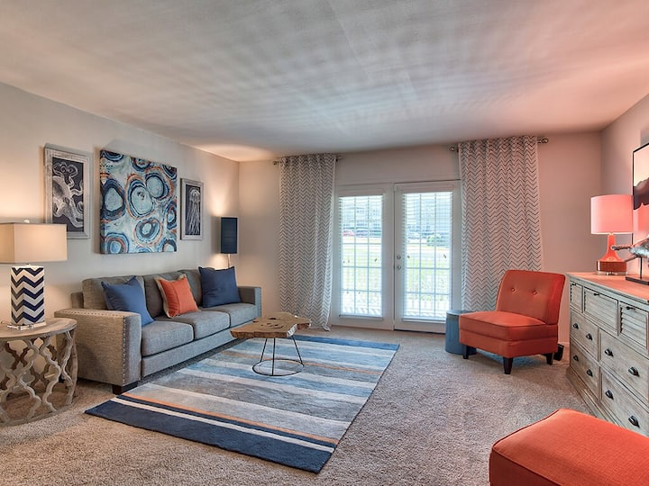 Clean apt just for you | 2BR in Homewood
