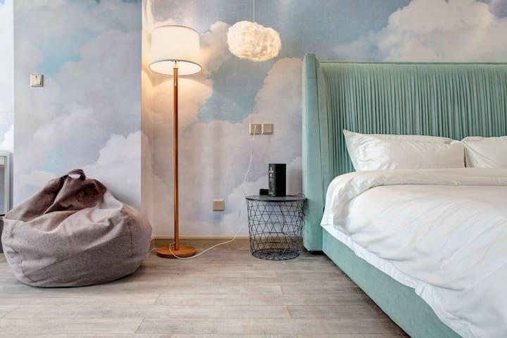 云の轻居65寸大床房(Soft bed设计师公寓)