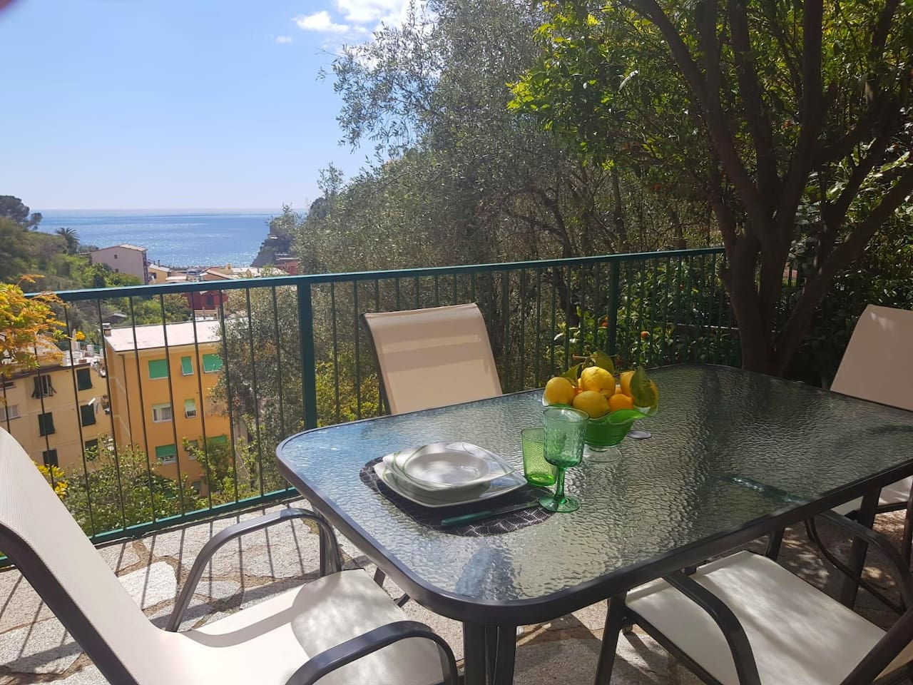 terrace /garden sea view and setting for 4 people