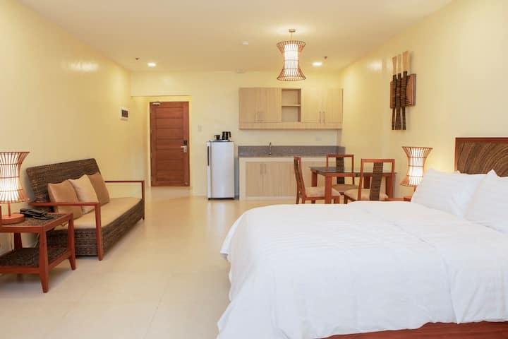 Hotel Merlo (Superior Room with Queen Bed)