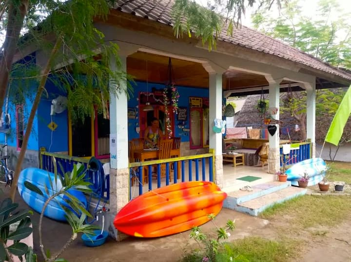 GILI AIR PRIVATE AC DOUBLE BEDROOM IN SHARED HOME