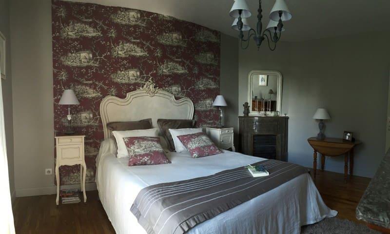 Une troisième chambre avec un lit en 160