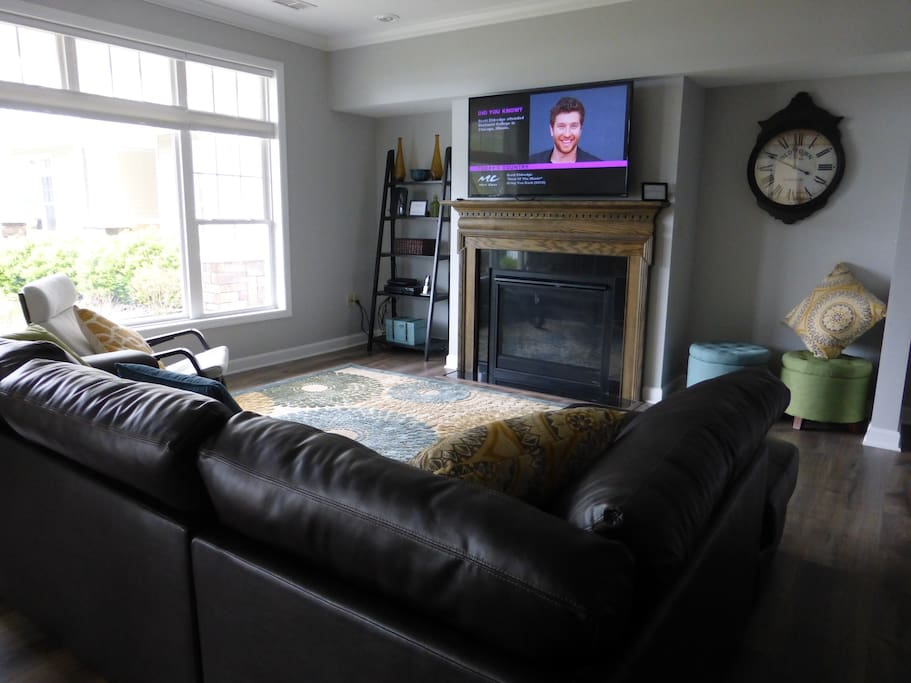 A beautiful gas fireplace and big screen TV. PERFECT!