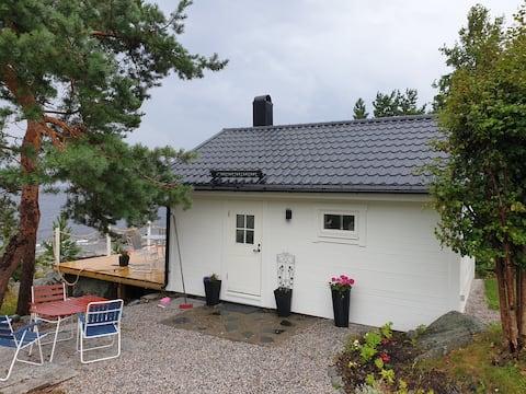 Nyrenoverat hus med havsutsikt
