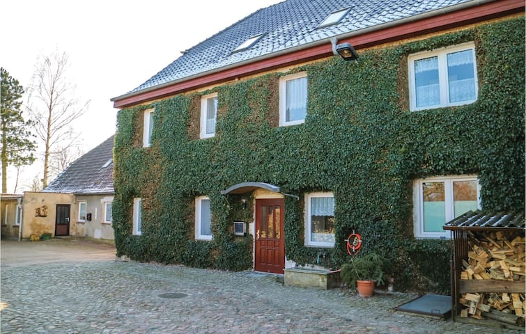 Holiday apartment with 1 bedroom on 88m² in Marlow OT Gresenhorst