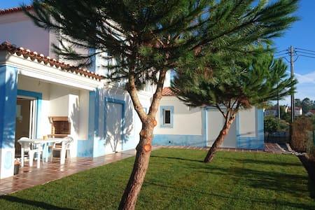Villa Milrica  in Town/ walking  to trails/R.beach - Vila de Rei - Casa