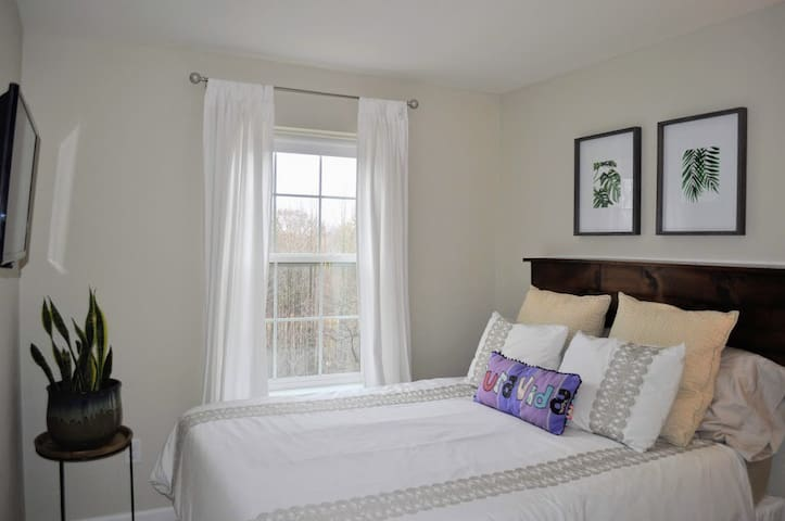 Relaxing Private Bedroom near Hospital and UD
