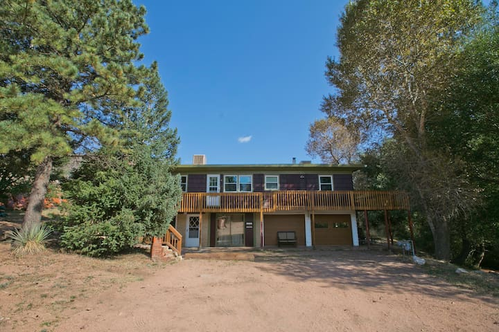 Pikes Peak 4 Bedroom on Creek - Cascade-Chipita Park - Apartamento