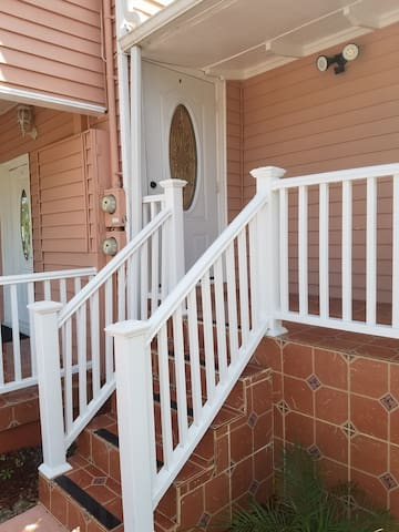 2nd Floor Apartment in the Center of Tarpon