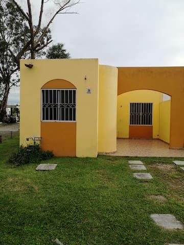 Casa tranquila en coto privado, segura, c/ alberca